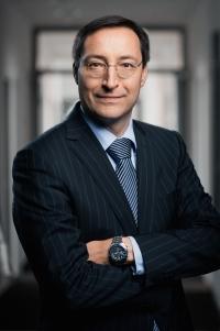 Axel W. Bierbach, VID-Vorstand